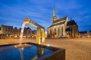 Kathedrale Platz (c) www.visitpilsen.eu