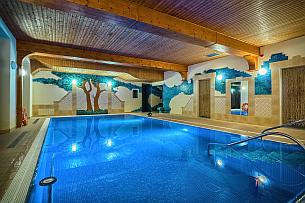 Schwimmbad (c) Kurhotel Berliner