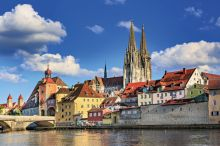 Regensburg (c) Val Thoermer - Fotolia.com