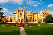 Schloss Lednice (c) pyty - Fotolia