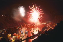 "Feuerwek ""Rhein in Flammen"" (c) Weyh Touristik"